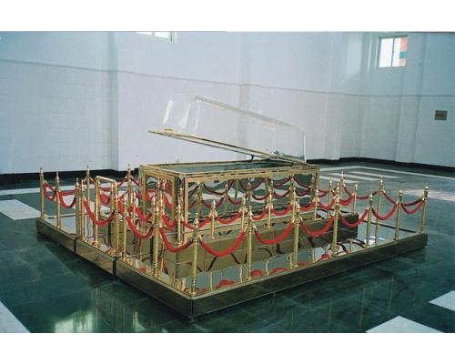 大厅豪华告别台(西式)  长×宽 3700×3200(mm)